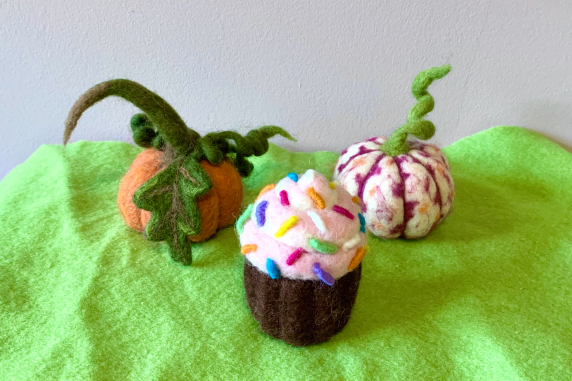 Needle Felted Cupcake and Pumpkins