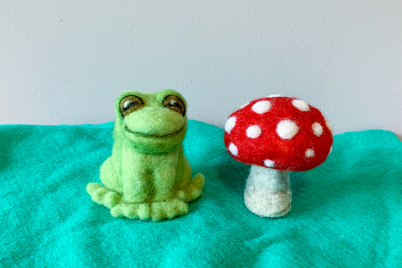 Needle Felted Frog and Toadstool